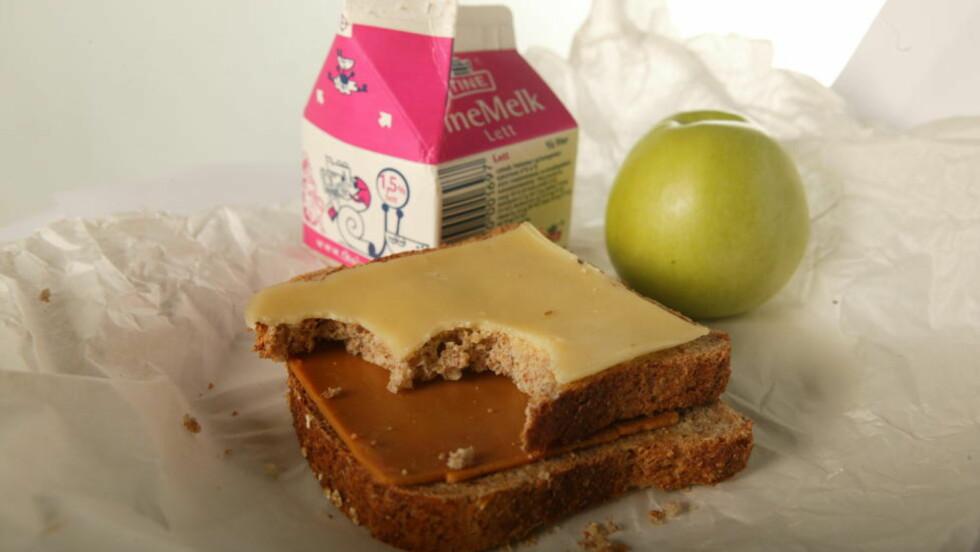 UMODERNE: Den tradisjonelle norske matpakka har fått tøff konkurranse. Foto: Siv Seglem/Dagbladet.