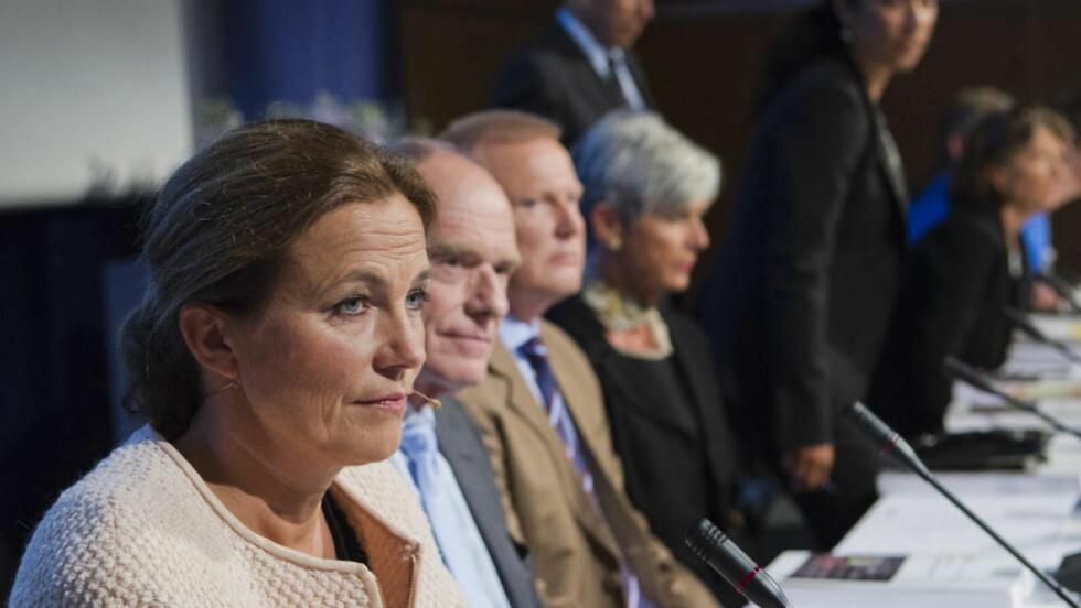 KOMMISJONEN: 22. julikommisjonen med leder Alexandra Bech Gjørv til venstre har gjort en solid jobb, men hadde bare mandat til å fortelle halve sannheten om beredskapen mot terrorisme, skriver Dagbladets kommentator. Foto: Berit Roald / NTB Scanpix.