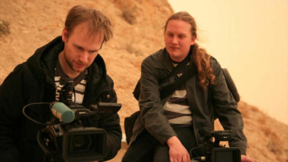 LAGET EKSORSISMEFILM: Fredrik Horn Akselsen (t.v.) og produsent Christian Falch har laget film om eksorsisme i Den katolske kirken. Foto: Gammaglimt