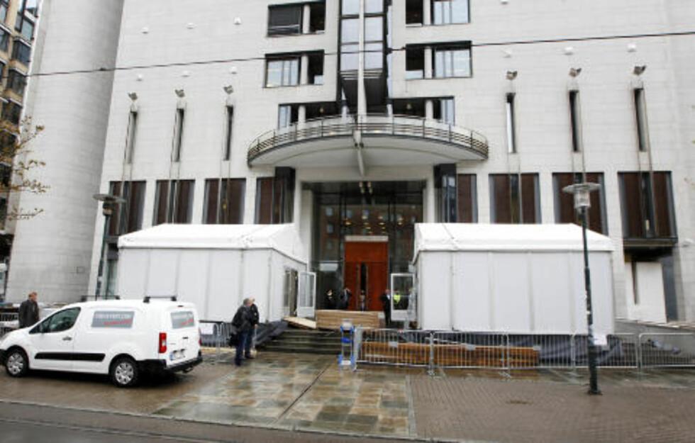 STO PÅGANG: Medier fra hele verden skal dekke terrorettssaken i Oslo tinghus som starter neste uke. Anders Behring Breivik står tiltalt etter terroraksjonene og massedrapene som fant sted 22. juli i fjor. Foto: Erlend Aas / Scanpix