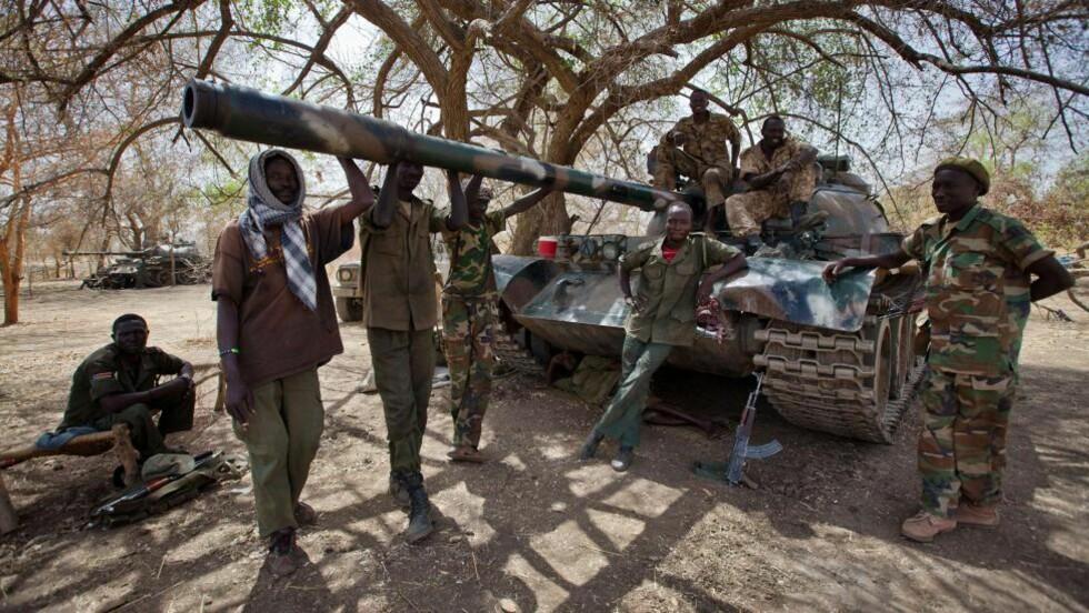 RUSTER TIL KRIG: Forhandlingene mellom Sudan og Sør-Sudan er avblåst, og begge land forbereder seg på en opptrapping av konflikten. Foto: AFP photo/Adrianne OHANESIAN/SCANPIX