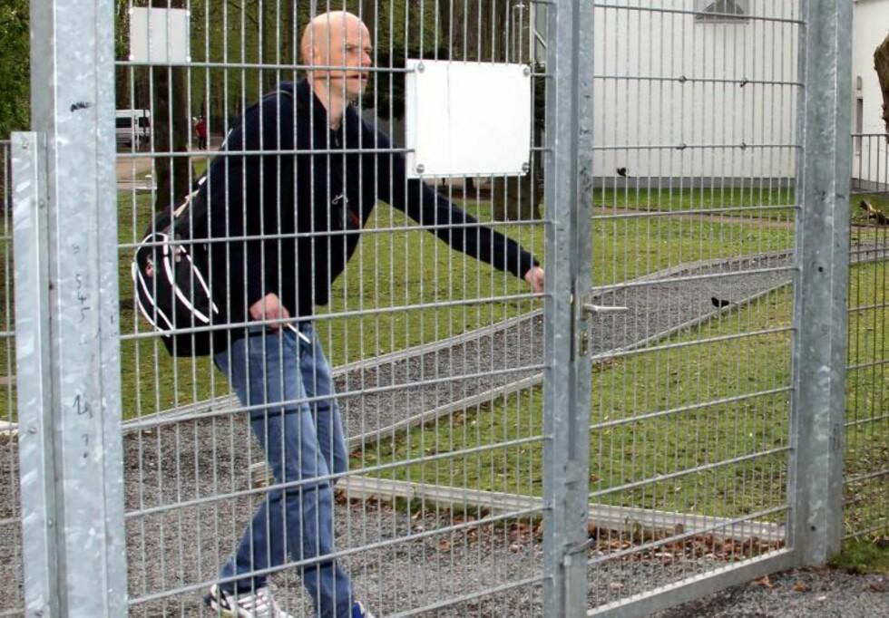 - IKKE STRENG NOK: Supporterleder Daniel Neuhöfer tror spillerne trenger en trener som pisker dem mer enn Solbakken gjør. Foto:  Eduard Bopp Sportfotografie