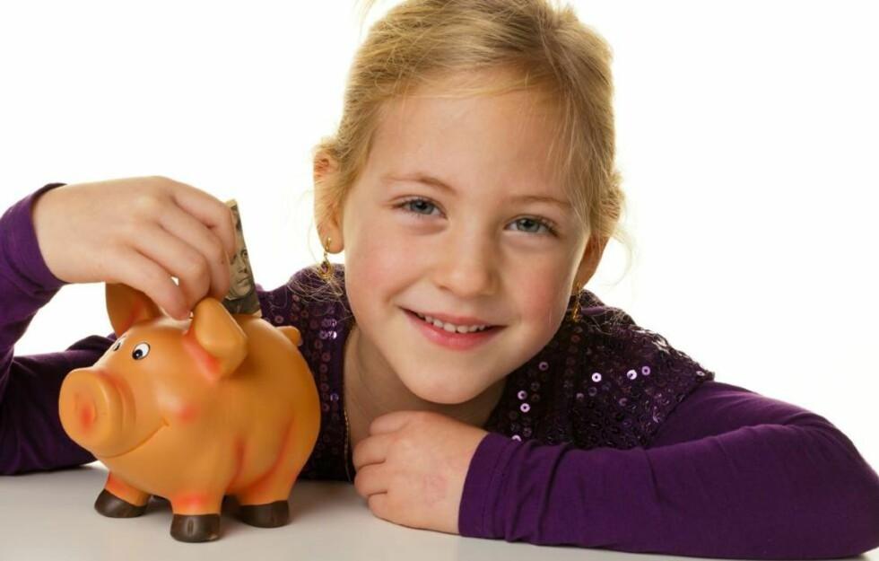 UKELØNN: Gir du barna ukelønn og litt økonomisk ansvar, gir du dem samtidig viktig lærdom.  www.colourbox.com