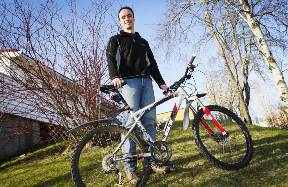 TILBAKE: Odd Sigurd Refsnæs' kjære sykkel er igjen hjemme på Singsaker i Trondheim. Foto: OLE MORTEN MELGÅRD / DAGBLADET