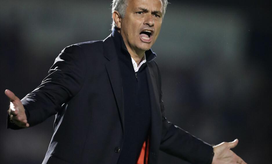 IKKE FORNØYD: Manchester United-manager José Mourinho kom igjen med et stikk til dommeren. Foto: NTB Scanpix