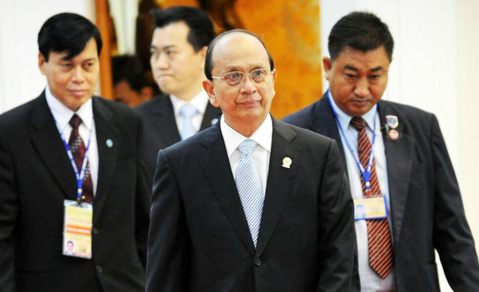 - PÅ RIKTIG KURS: Myanmars president Thein Seins regime er på riktig vei, mener norske myndigheter. Derfor lettes sanksjonene. Foto: TANG CHHIN SOTHY / AFP / NTB SCANPIX