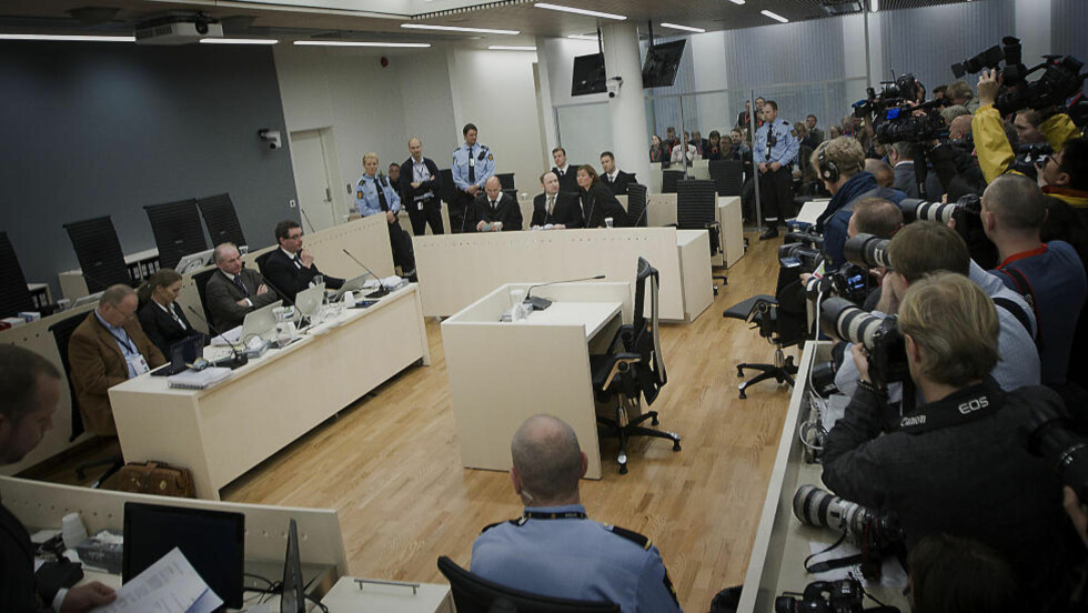 FØRSTE DAG: Rettssaken mot Anders Behring Breivik startet i dag. Tiltalen er lest opp og statsadvokat Stein Holden har startet på sitt innledningsforedrag. Foto: BJØRN LANGSEM