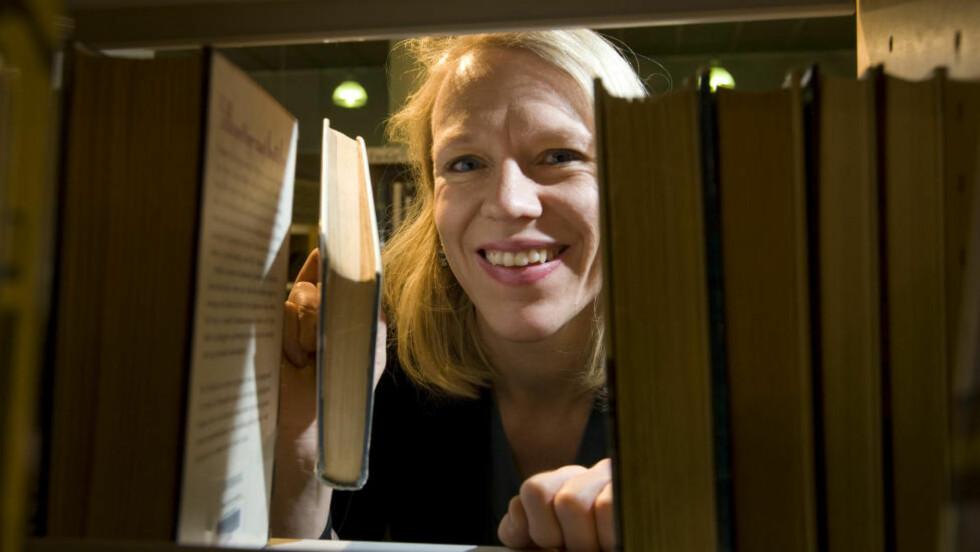 BEST FOR BOKA: Anniken Huitfeldt har en vanskelig sak på bordet når høringsfristen for bokloven går ut i dag. Spørsmålet er hva som er best for leserne, litteraturen og forfatterne. Foto: NTB SCANPIX