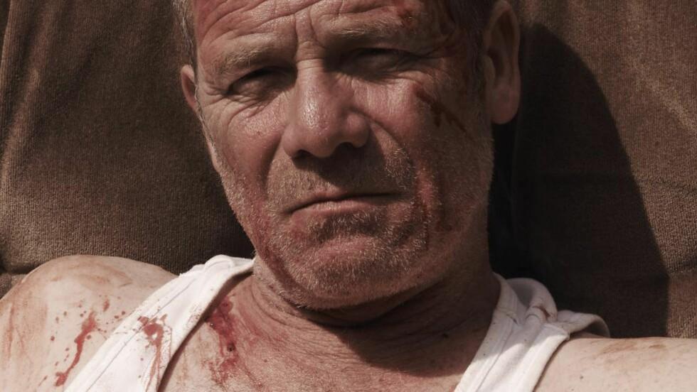 RASENDE: Joe (Peter Mullan) tyranniserer sine omgivelser i Paddy Considines debutfilm, «Tyrannosaur».