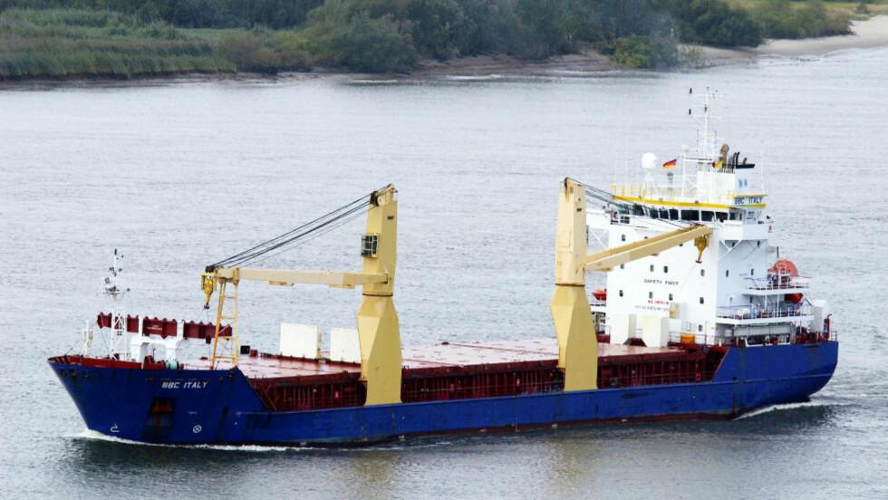 VÅPENTRANSPORT? Skipet Atlantic Cruiser, her med navnet BBC Italy, blir beskyldt for å drive våpentransport mellom Iran og Syria. Foto: AP Photo/dapd/Dietmar Hasenpusch/Scanpix