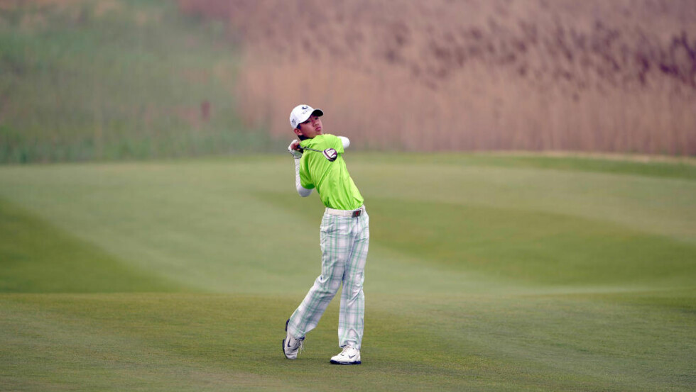 TØFF DEBUT: Guan Tian-lang fikk et hardt møte med golfeliten. Han ble slått ut hjemme i Kina fredag.Foto: SCANPIX/REUTERS/Paul Lakatos/OneAsia/Handout