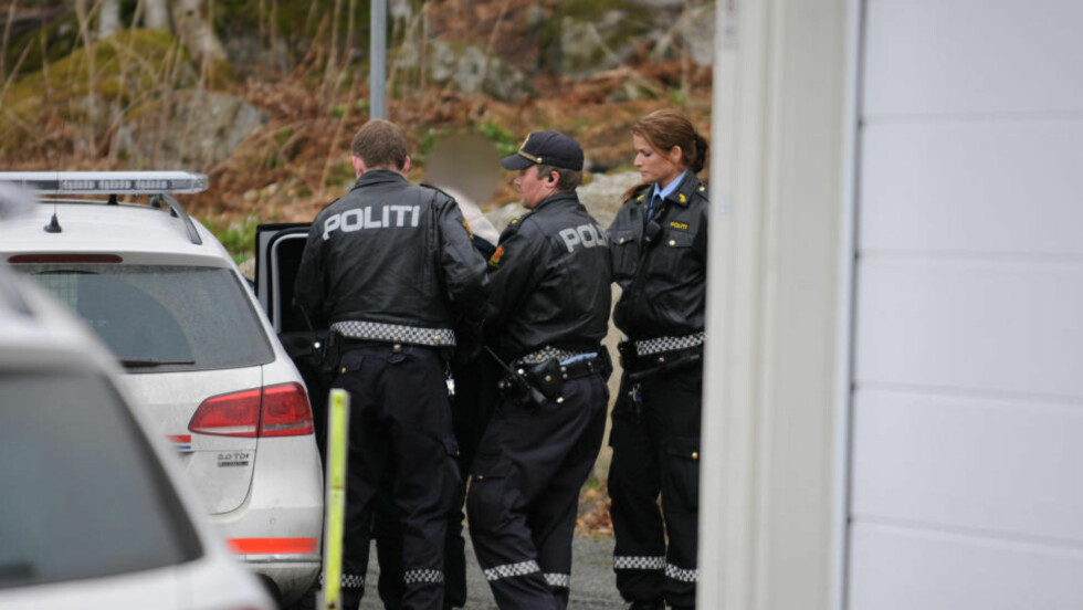 AMOK I BOLIGFELT: En mann i 20-årene gikk i morgentimene amok med kniv i et boligfelt i Larvik. Foto: Lasse Ljung