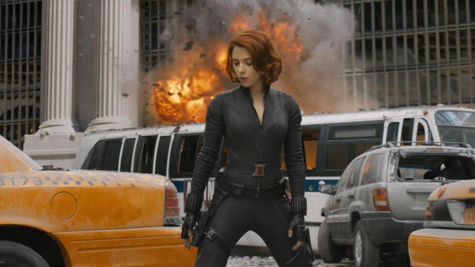 REDDER MANHATTAN: Scarlett Johansson er «Black Widow», den eneste kvinnelige superhelten i actionfylte «The Avengers».