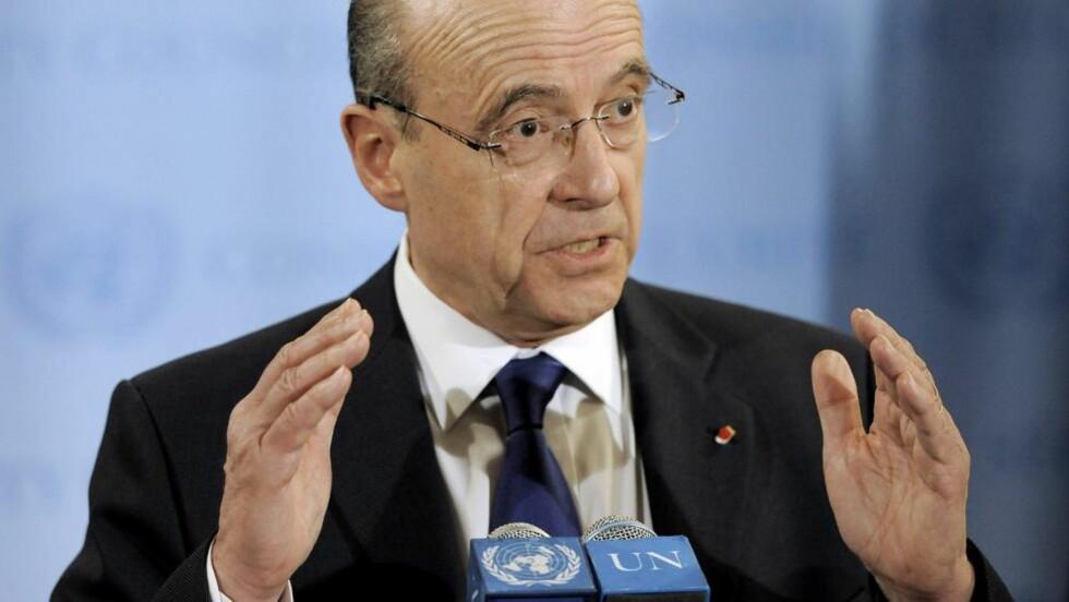 BER FN GÅ INN: Frankrikes utenriksminister krever at FNs sikkerhetsråd sender 300 observatører inn i Syria. Foto: Justin Lane/Epa/NTB Scanpix
