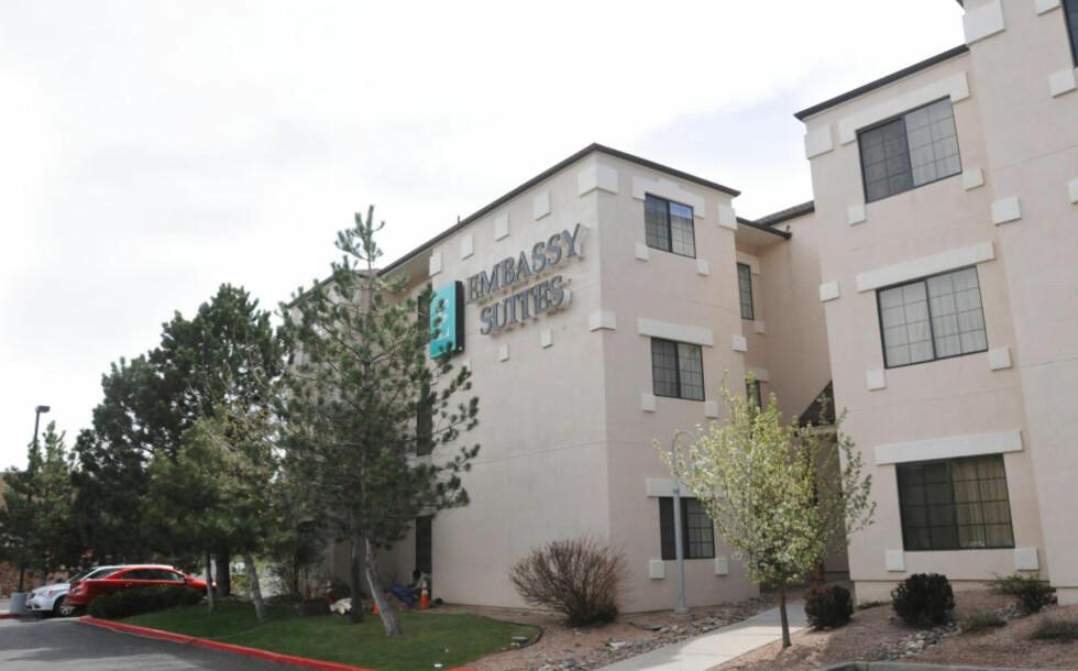 HER BLE HAN FUNNET: Alexander Dale Oen ble funnet livløs på hotellrommet sitt her på Embassy Suites i Flagstaff.Foto: Josh Biggs