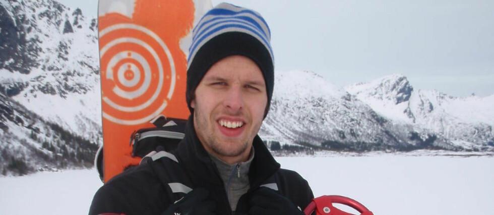 ELSKET FJELLET: Alexander Dale Oen likte seg aller best på en eller annen fjelltopp. Her er han på topptur i Lofoten med kameratene helga før påske 2008. Foto: Privat