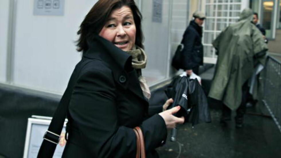 <strong>FJERNDIAGNOSE:</strong> - Som Breiviks forsvarer ønsker jeg også å poengtere at jeg stiller meg undrende til fagmedisinere som diagnostiserer så kategorisk uten å ha møtt den de diagnostiserer. Jeg spør meg både om det er godt faglig håndverk og deres skjønn ved å uttale seg slik, sier Breiviks forsvarer Vibeke Hein Bæra til Dagbladet. Foto: JACQUES HVISTENDAHL/DAGBLADET