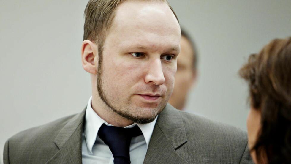 <strong>- GJØRMETE FOTSPOR:</strong> Psykologen Philip Zimbardo er ikke i tvil om at Anders Behring Breivik er ond - og bør straffes deretter. Han har fulgt i Adolf Hitlers «gjørmete fotspor», ifølge professoren, som mener Breivik må kjennes tilregnelig. Foto: NINA HANSEN/DAGBLADET