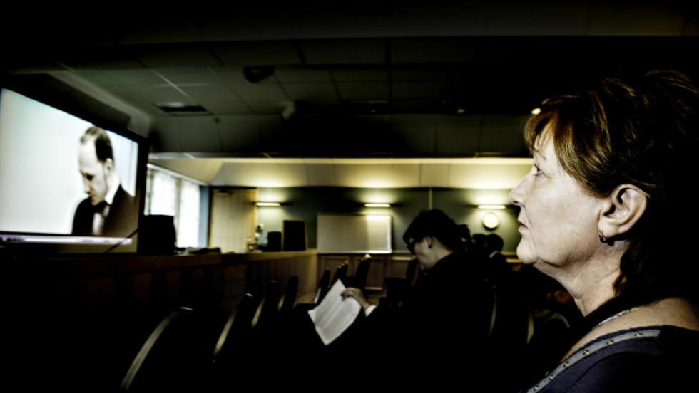 FØLGER DATTERENS MORDER: Unni Espeland Marcussen følger rettsaken mot Anders Behring Breivik fra Fredrikstad tingrett på storskjerm. Når retten snart skal behandle drapet på datteren Andrine Bakkene Espeland (16), drar hun til Oslo tingrett. Foto: John T. Pedersen / Dagbladet