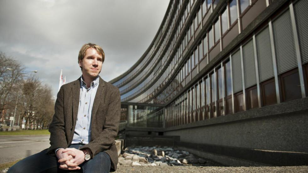 LIVSTRUENDE SKADD: Kristian Rasmussen ble livstruende skadd av bomben 22. juli, da han satt på kontoret sitt i Olje- og energidepartementet. Nå er han klar til å vitne i rettsaken mot Anders Behring Breivik. Foto: Fredrik Varfjell / Scanpix