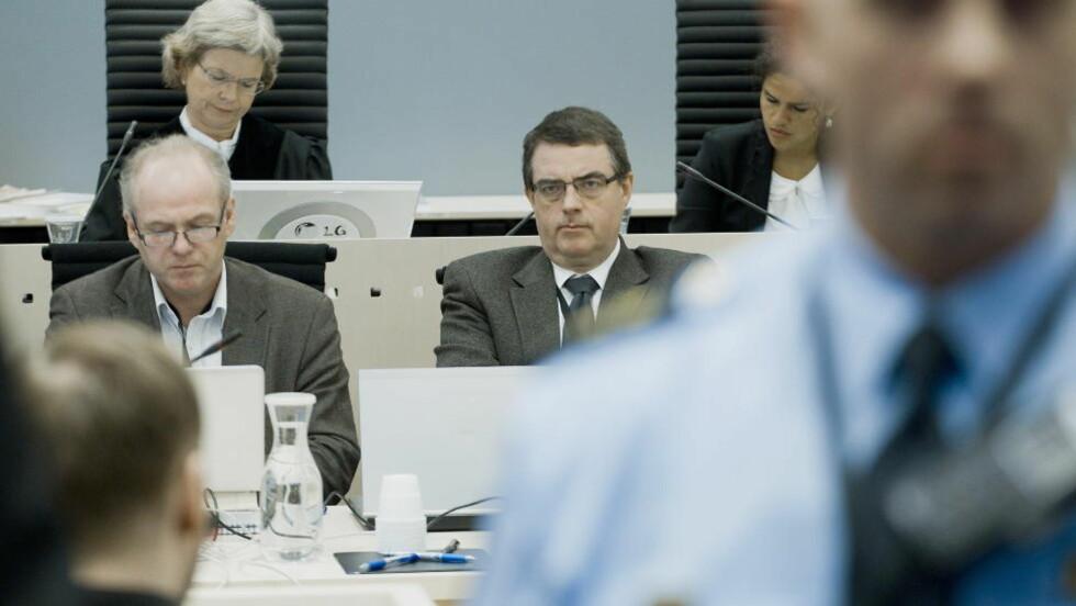- IKKE LURT: Anders Behring Breivik ser mot to av de sakkyndige Terje Tørrissen og Agnar Aspaas. Foto: Bjørn Langsem/Dagbladet