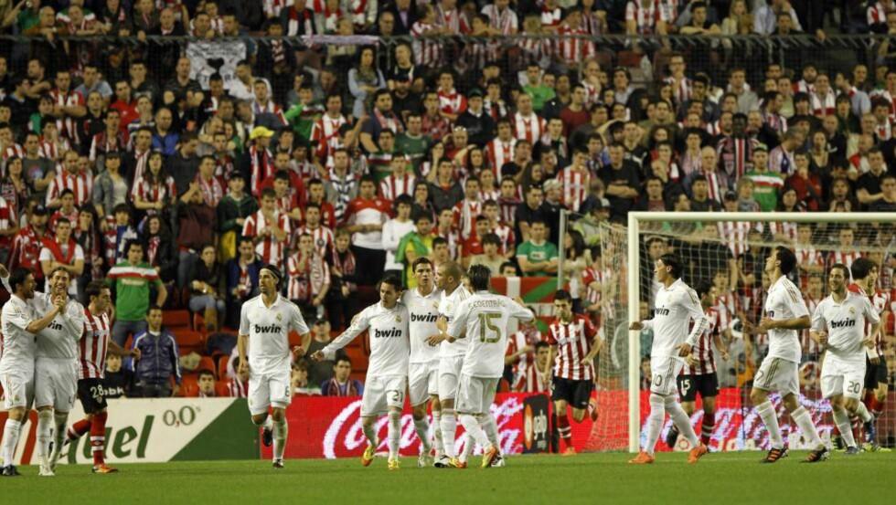 TAKLET PRESSET: Real Madrid trengte tre poeng for å avgjøre La Liga for godt i kveld, og tok dem lett på San Mames mot Athletic Bilbao. Foto: SCANPIX/AFP/CESAR MANSO