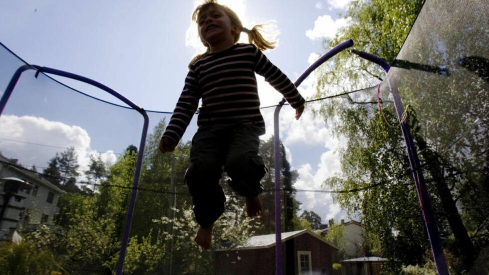 MÅ BESKYTTES: Foreldre bør ikke kunne ta private gentester på barna sine, mener Bioteknologinemda. Illustrasjonsfoto: Cornelius Poppe / SCANPIX