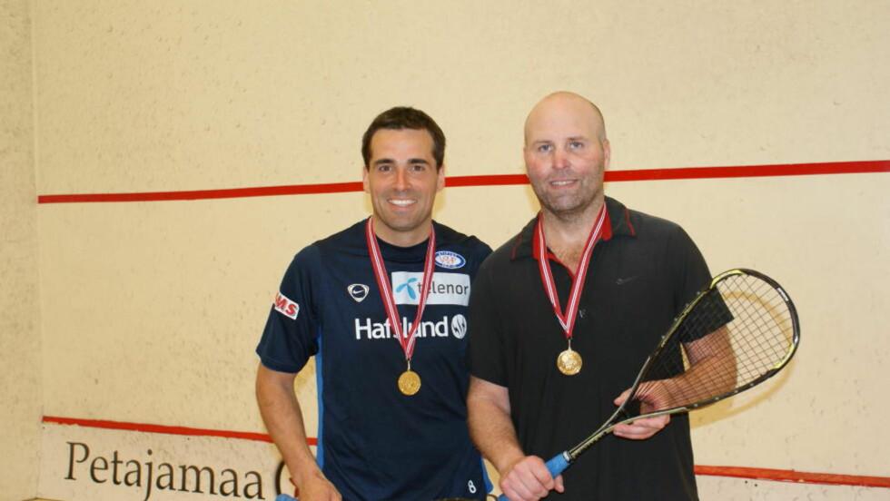 NORGESMESTERE: Martin Andresen og Richard Larsson med gullmedaljene rundt halsen. Foto: Privat