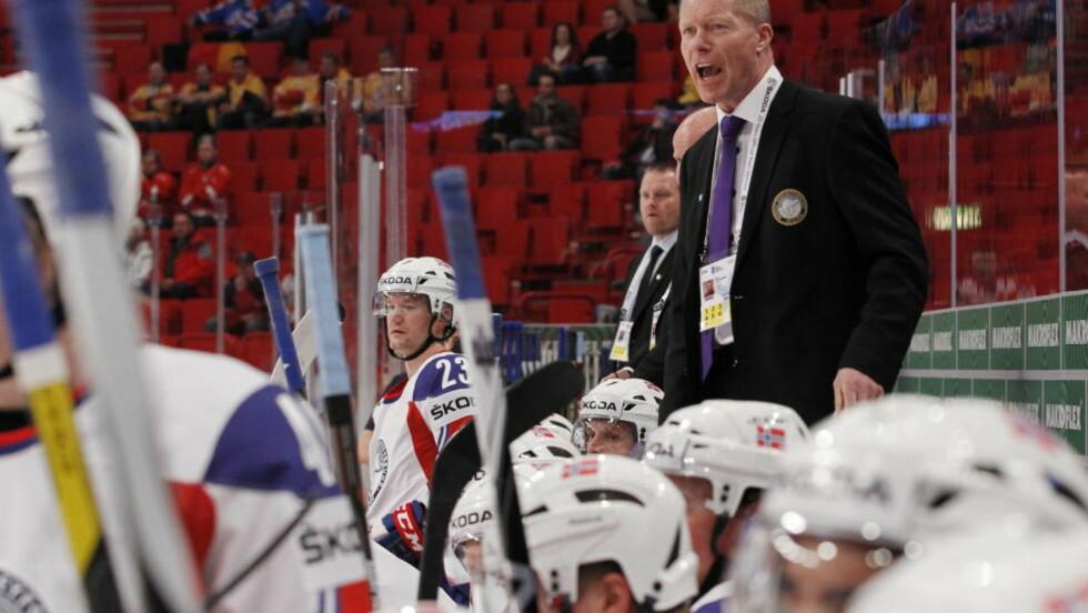 OPPGITT: Roy Johansen kunne bare riste på hodet etter annulleringen som frarøvet Norge en utlikning mot Russland i går. I dag venter Tsjekkia. Foto: Håkon Mosvold Larsen / NTB scanpix