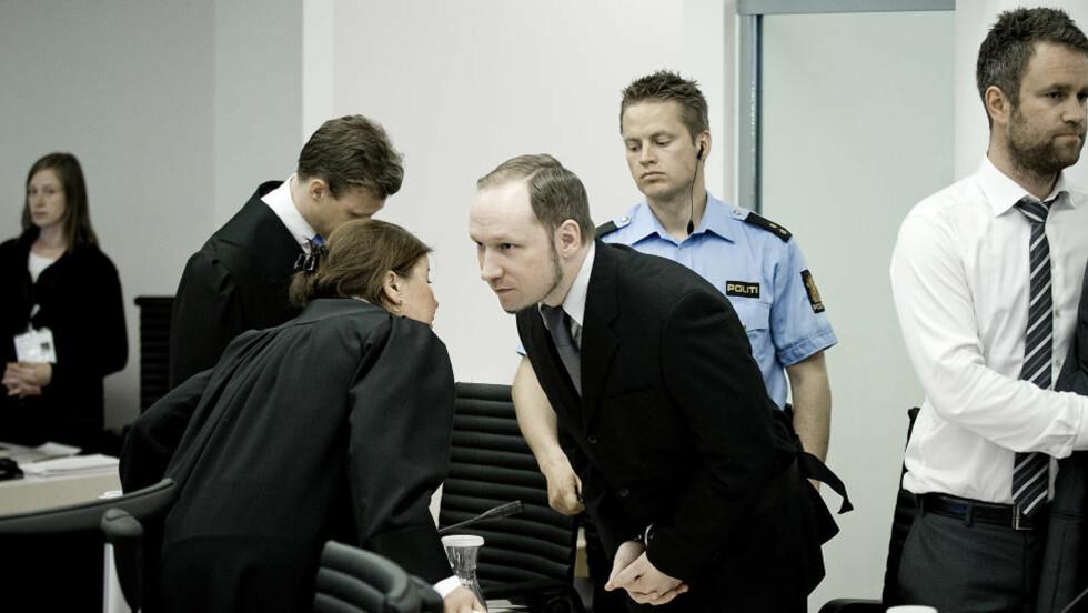 VILLE STILLE SPØRSMÅL:  Anders Behring Breivik tok ordet i retten for å si at han gjerne ville ha stilt spørsmål til generalsekretær i AUF Tonje Brenna. Foto: Bjørn Langsem