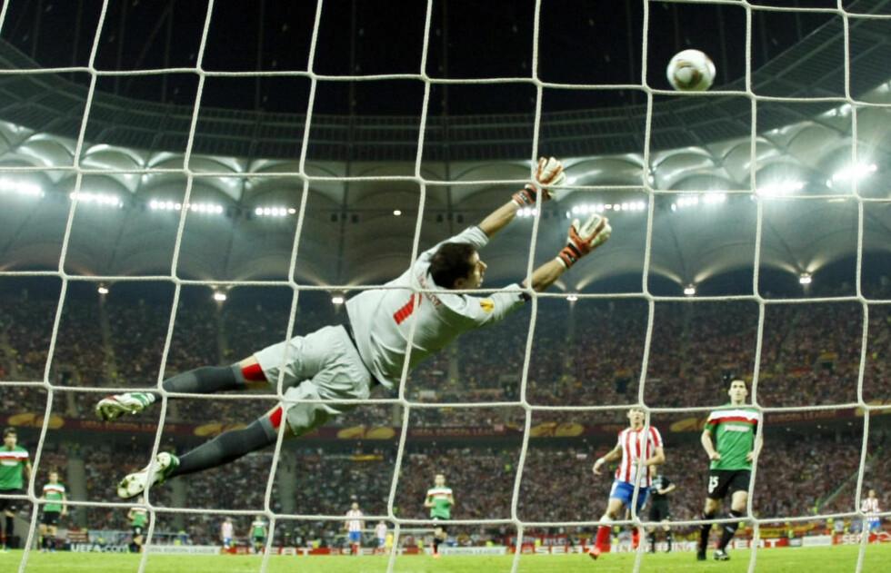 PERLETREFF: Falcao traff perfekt da han etter sju minutter bøyde ballen opp i Gorka Iraizoz' lengste hjørne.Foto: REUTERS/Ina Fassbender/NTB scanpix