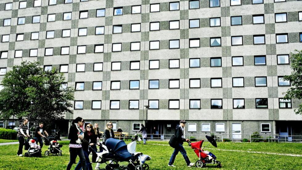 BARNEFAMILIER: Det er fint at Huitfeldt vil hjelpe de ufrivillig barnløse. Men samtidig sier også at hun vil anbefale sin egen datter ikke å vente for lenge med å få barn. Hun ønsker seg altså flere yngre mødre. Foto:  Mette Møller/Dagbladet