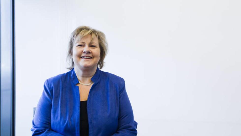 FORNØYD: Høyre-leder Erna Solberg er storfornøyd med at tillitsvalgte i Krf omfavner Høyre.    Foto: Berit Roald / Scanpix