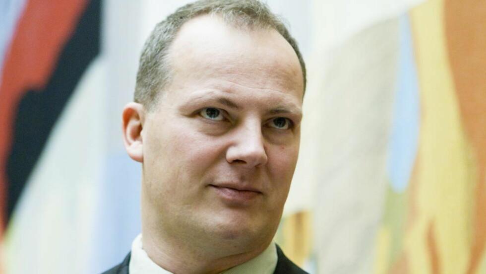 MER OLJEPENGER: Ketil Solvik-Olsen (Frp) synes regjeringen kunne brukt mer oljepenger i revidert nasjonalbudsjett. Foto: Berit Roald / Scanpix