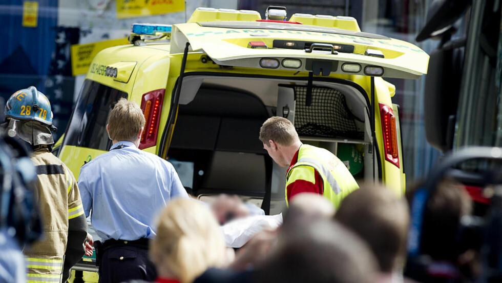 I KOMA: Mannen som tente på seg pådro seg alvorlige brannskader på overkroppen. Han ligger nå i koma på sykehus, men skal være utenfor livsfare. Foto: Bjørn Langsem