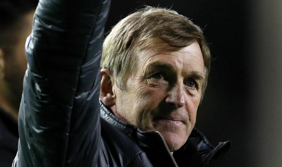 TAKK OG FARVEL: Kenny Dalglish forlater Liverpool. Eierne skal ikke være fornøyd med resultatene i ligaen denne sesongen. Foto: REUTERS/Phil Noble/NTB scanpix