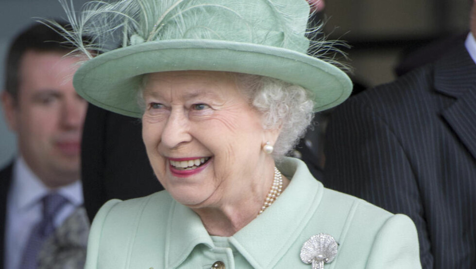 INVITERER: Dronning Elizabeths gjesteliste faller ikke i god smak hos alle. Foto: REUTERS/Paul Grover/NTB-Scanpix