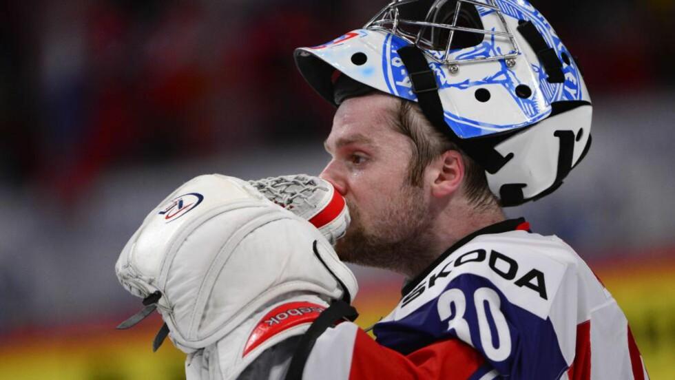 FRYKTELIG SKUFFET: - Nå har jeg det ikke bra, sa en meget skuffet Lars Haugen til MAX etter 2-5-tapet mot Russland i kvartfinalen. Foto: AFP PHOTO/JONATHAN NACKSTRAND