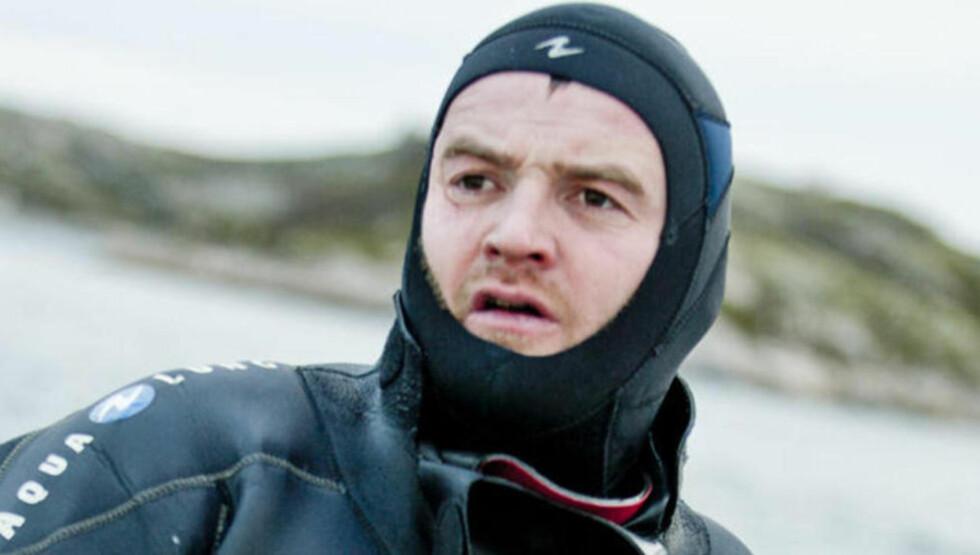 DET «ENKLE»: Dykking i kald sjø, hele året, er hva Roderick Sloan ser på som den enkleste delen av jobben sin. I det stille vannet finner han ro og stillhet. Foto: Karoline O. A. Pettersen