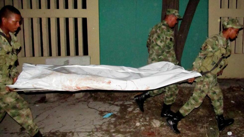 TOLV DREPT: Tolv colombianske regjeringssoldater ble drept i et angrep i La Guajira-provinsen mandag, og den venstreorienterte FARC-geriljaen mistenkes for å stå bak. Foto: DEISIS DOMINGUEZ / EPA / NTB SCANPIX