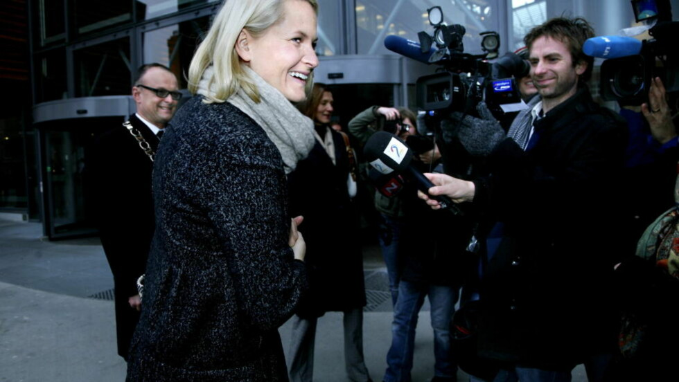 DELTIDSSTUDENT: Høsten 2008 ble kronprinsesse Mette-Marit deltidsstudent på kurset «Ledelse; makt og mening» ved Handelshøyskolen BI. Nå har hun levert inn mastergradsoppgaven. Foto: Steinar Buholm/Dagbladet.