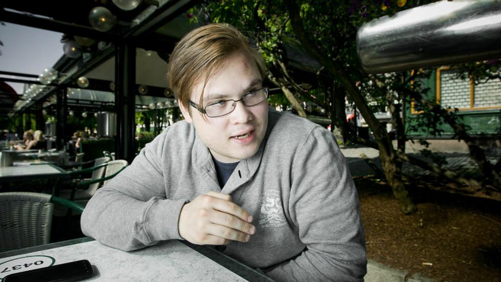VITNER I DAG:   Tarjei Jensen Bech (20)  fra Hammerfest ble påført omfattende skader på Utøya 22. juli. I dag vitner han i rettssaken mot Anders Behring Breivik (33). Foto: Bjørn Langsem