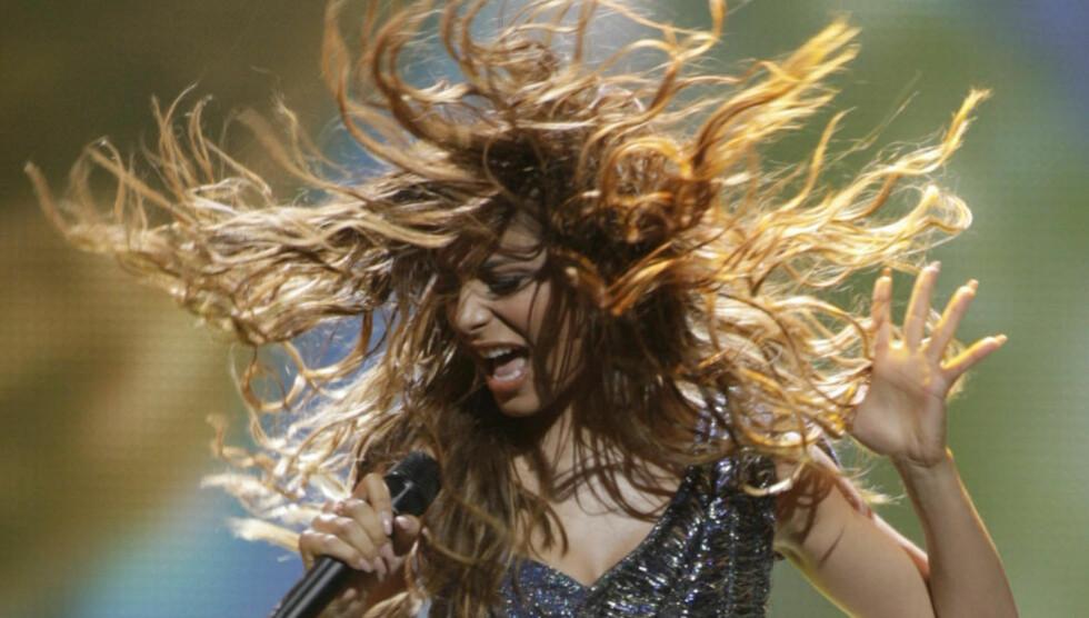 VISUELLE VARER: Er greske Eleftheria Eleftheriou en lekkerbisken som blir brukt for hva det er verd i aserbajdsjansk glansbildemaling? Foto: REUTERS/David Mdzinarishvili