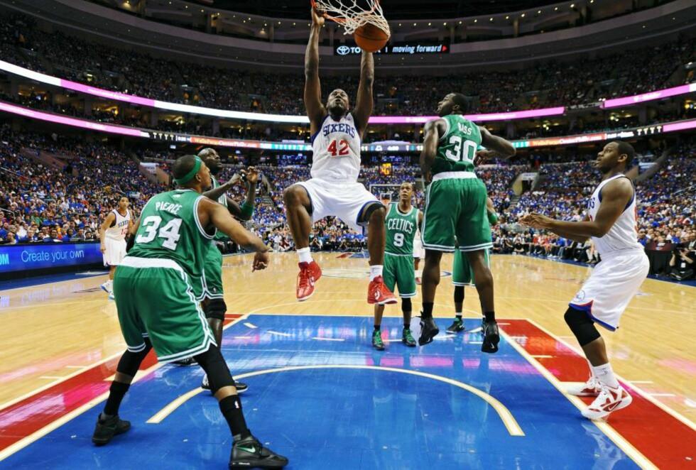 TVANG FRAM KAMP SJU:  Elton Brand og Philadelphia 76er tvang fram en kamp nummer sju mot Boston Celtics i NBA-sluttspillet.Foto: Drew Hallowell/Getty Images/AFP/NTB scanpix