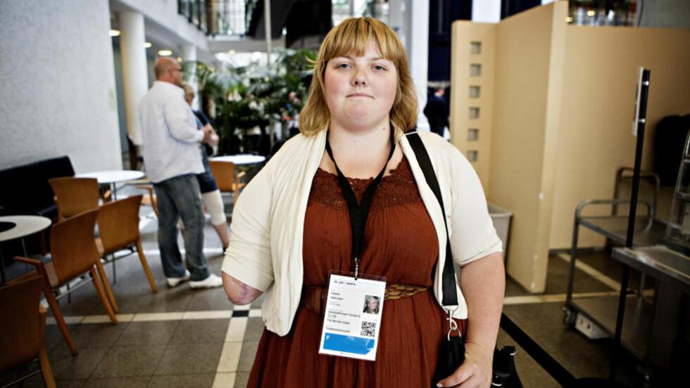 FERDIG MED Å VITNE: . - Nå skal jeg ut og kjøpe meg en sommerkjole, sa Cecile Herlovsen da hun var ferdig med sitt vitnemål.  Foto: Lars Eivind Bones
