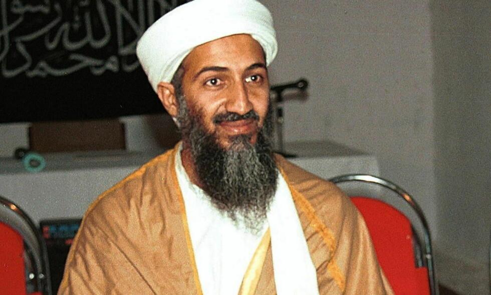 DREPT: Legen som hjalp CIA med å spore opp Osama bin Laden er dømt for landsforrederi i Pakistan. Dette bildet av bin Laden er fra 1998. Foto: AP Photo / SCANPIX