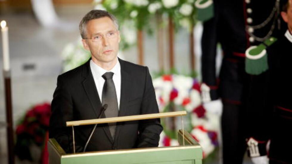 - EN HEDERSMANN: Jens Stoltenberg sa at Kjakan var en hedersmann, og en av norges fremste demokratiforkjempere. Foto: Kyrre Lien / NTB scanpix