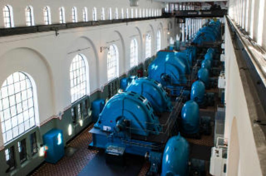 TURBINER: I Tysso I, kan du se de originale turbinene står på rekke og rad. Foto: ROGER BRENDHAGEN
