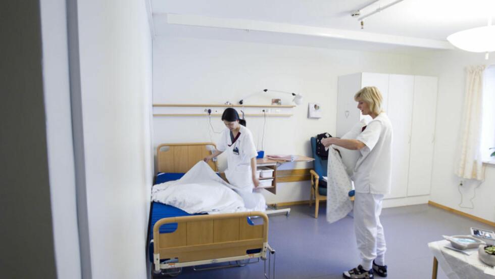 FORSONING: I moderne spesialistmedisin er håpet blitt et fabrikkprodukt og legene står ved samlebåndet. De er ikke skolert i å hjelpe folk til forsoning, de er ikke trent til å lete etter andre håp enn lengre levetid. Foto: Heiko Junge/NTB scanpix