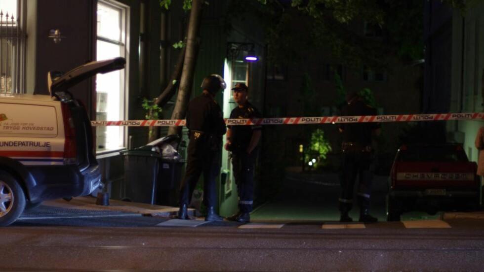 SKUTT I MAGEN: En mann ble skutt to ganger i magen i en leilighet på Briskeby i Oslo natt til tirsdag. Foto: Daniel Laabak